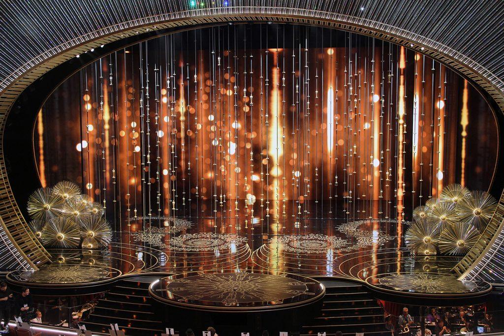 Oscars set design of 3,000 clear Edison light bulbs.